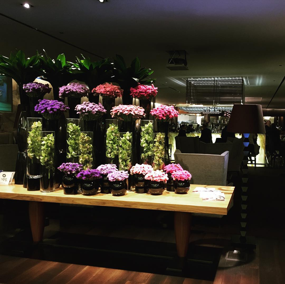 Sheraton Lisbon. Always beautiful flowers to greet you as...