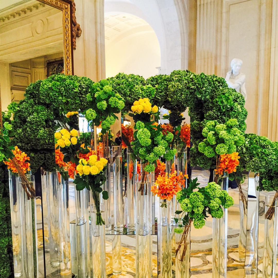 Four seasons hotel George v Paris flowers