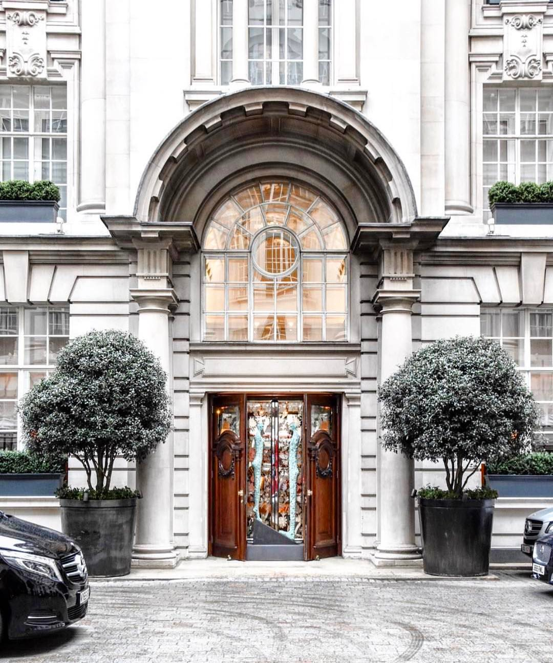 Checked in at @rosewoodlondon, I'm so in love with th...