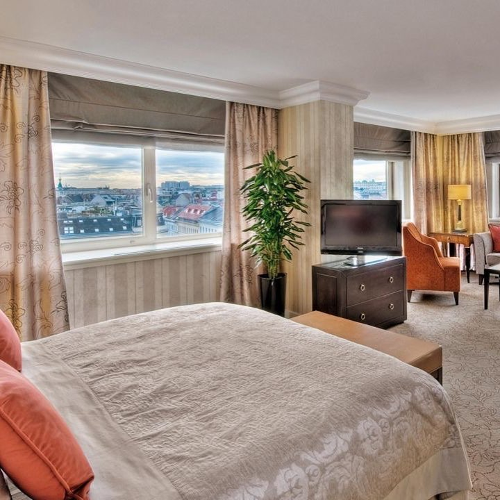 Slip into a room at the Intercontinental Hotel Vienna, wh...