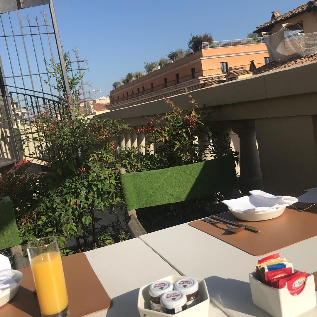 Breakfast with a view of the rooftops of Rome